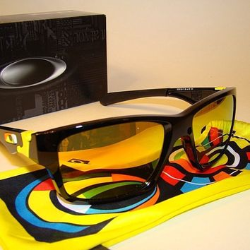 Oakley Sunglasses: Valentino Rossi Series Jupiter Squared 9135-11 Fire Lens -NEW