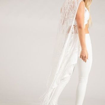 Fashionable Fringe Hemmed Shrug