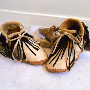 Short Moccasins With Fringe, Leather Moccs, Handmade, Handsewn, Native American, Powwow, Earthing Shoes, Natural, Hippie, Boho