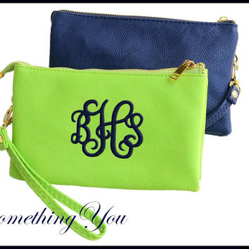 Monogrammed Crossbody Wallet - Personalized Wristlet, Vegan Leather Wristlet, Monogram Wristlet, Monogrammed Clutch Bag, Personalized Purse