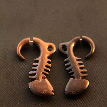 Fake Gauges Wood, Tribal Fish Skeleton Carving Design Fake Piercing Ethnic Wooden Earrings