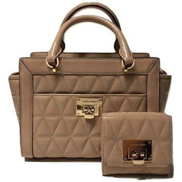 DCCKUG3 MICHAEL Michael Kors Vivianne SM TZ Messenger Quilted Handbag bundled with Michael Kors Vivianne Trifold Wallet