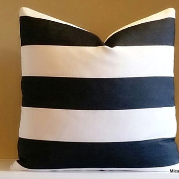 OUTDOOR, Decorative black and white wide horizontal striped pillow cover, 18x18