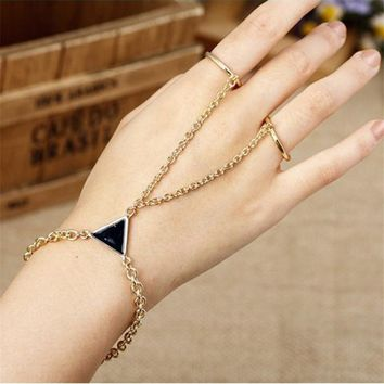 2016 New Arrival Triangular Decoration New Fashion Bracelets Fashion Unique Alloy Finger Bracelet Pulseras