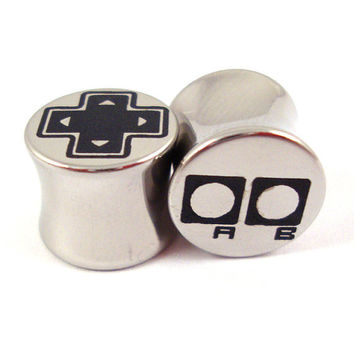 "Old-School Gamer Double Flared Plugs - Stainless Steel - 2g 0g 00g 7/16"" (11 mm) 1/2"" (13mm) 9/16"" (14mm) 5/8"" (16mm) - Metal Gauges"