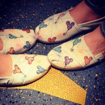 Disney Mickey Balloon Sketch TOMS