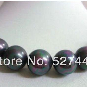 18'' A Round 14Mm Tahitian Black Shell Pearl Necklace