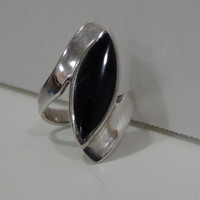 Sterling Silver 925 Cat's Eye Ring With Semi-Precious Black Onyx Stone