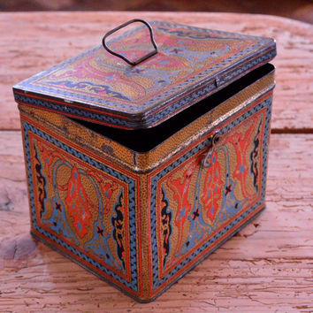 Vintage Biscuit Tin, Uneeda Biscuit Tin Box, Small Decorative Storage