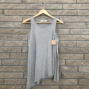 Summer and Sage Women's Gray Shoulder Long Sleeve Tank