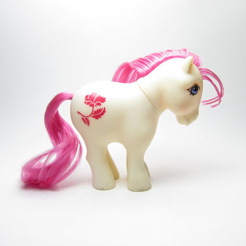 Birthflower Poppy Pony Vintage G1 My Little Pony Mail Order August Birth Month with Pink Hair