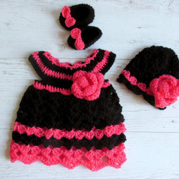 Crochet baby dress hat and shoes set in black and pink ,baby clothes first outfit take Newborn dress home hospital matinee