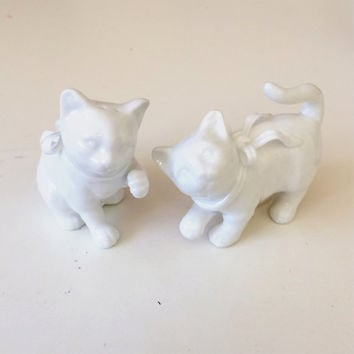 Vintage Salt and Pepper Shakers Pair of Cats
