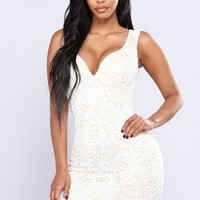 So Yesterday Lace Dress - Ivory/Nude