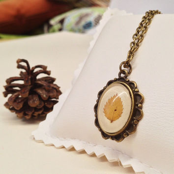 Leaf jewelry - cute jewelry with tiny leaf - real Leaf necklace with a real handpicked leaf and a glass cabochon over beige leather