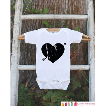 Kids Valentines Day Outfit - Black Heart Arrow Valentine's Day Onepiece or Shirt - Valentine Shirt for Baby Girls or Boys - Valentine Outfit