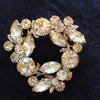 Vintage Rhinestone Wreath Pin
