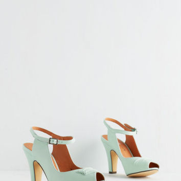 Chelsea Crew Vintage Inspired Say It With Sophistication Heel in Mint