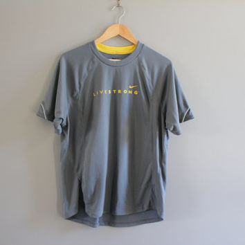 US Free Shipping Nike T-shirt Nike Live Strong Logo Tee Sweatshirt Grey Pullover Light Weight Activewear Vintage Nike Retro Size L #T160A