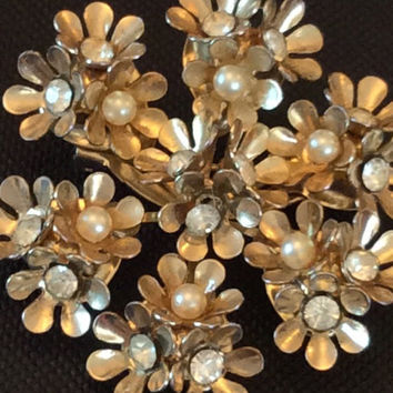 Coro Brooch Pearl Brooch 1940s Mother's Day Gift Vintage Jewelry