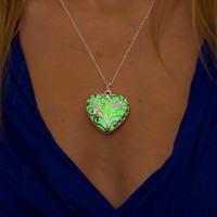 Green Glowing Heart Necklace - Glowing Necklace - Glowing Jewelry - Glow in the Dark Jewelry - Gifts for Her - Christmas Gifts - Holidays
