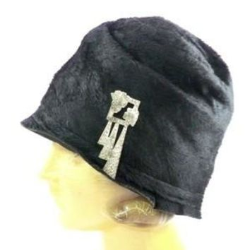 Vintage Ladies Cloche Hat Black Fur Felt 1920s w/ Deco Ornament Small Gatsby