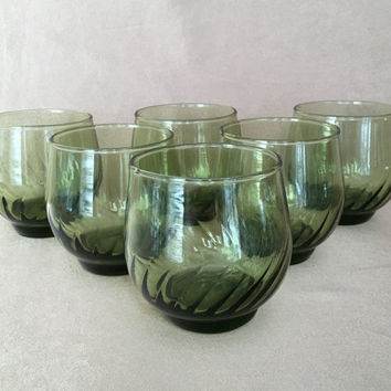Roly Poly Glasses, Green Optic Swirl, Round Juice Glasses, Mid Century Bar, Vintage Barware, Mid Cen Mod, 70s Style Serving, Tropical Green