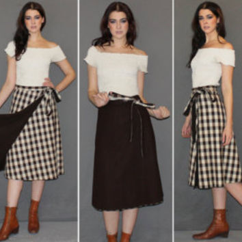 Vintage 70s WRAP SKIRT / REVERSIBLE Plaid and Solid Skirt / Cream and Dark Brown Flannel / High Waisted Skirt, Below the Knee Length / Sm Md