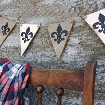 FREE SHIP Wood Fleur de lis French Country Banner Pennant Tags Signs