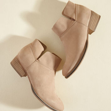 Seychelles Snare Suede Bootie in Sandy Pink | Mod Retro Vintage Boots | ModCloth.com
