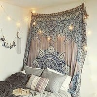 Plum & Bow Estelle Medallion Tapestry - Urban Outfitters