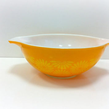 Vintage Pyrex Yellow Daisy Cinderella Bowl by vintage19something