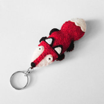 Felt Fox keychain, fox figurine, stuffed animal keyring, woodland cute animal, fox key chain charm, gift idea