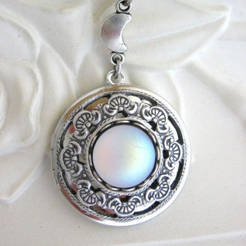 Moon, LOCKET, Silver Locket Necklace, Silver Moon Locket, Crescent Moon, Moon Jewelry, Enchanted Moon Locket, Moonstone Jewelry, Full Moon r