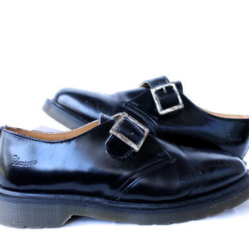 English Pilgrims - Dr. Martens -- Vintage -- Pilgrim Style Black Leather Shoes with Buckle -- Unique and in Amazing Condition UK 8 US 9