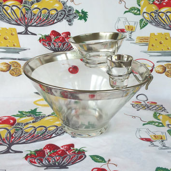 1960s Dorothy Thorpe Chip and Dip Silver Ombre Chip N Dip 4 Piece Bowl Set