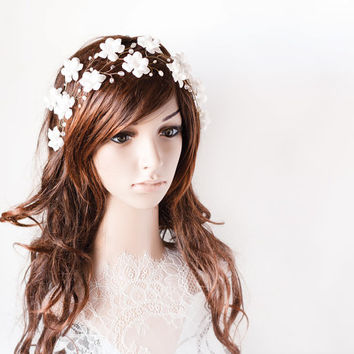 White flower crown, Gold flower headpiece, Wedding tiaras, Headpiece for wedding white flowers, Wedding flower crown, White tiara,Headpiece