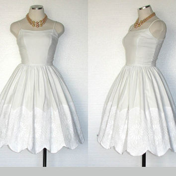 Vintage 50s Jonathan Logan Dress / 50s Dress / White Dress / Wedding Dress / Garden Party Dress / Sun Dress / 1950s Dress / Size XS/S