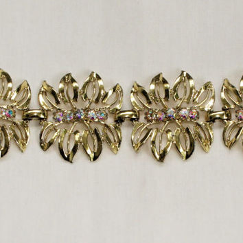 Vintage Mod Mid Century Rhinestone Bracelet in Gold Tone With Leaf Design