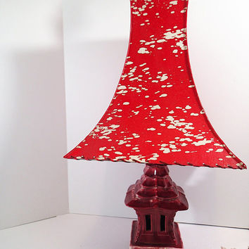 Kitsch Vintage Pagoda Oriental Lamp and Pagoda fiberglass laced shade.