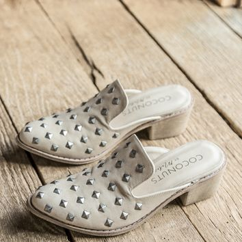 Rift Studded Slide, Natural | Coconuts by Matisse
