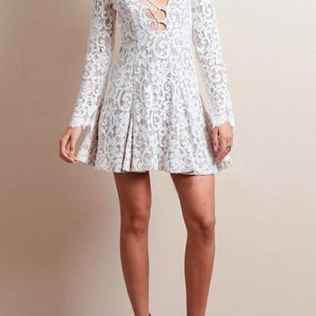 Streetstyle  Casual White Plain Pleated Lace Hollow-out Bandage Deep V-neck Long Sleeve Party Mini Dress