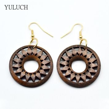 Wood Earrings for Woman 2017 New Design Personality Hollow Latest Good Quality African Wood Leaf Earrings Jewelry 1 Pair Eardrop
