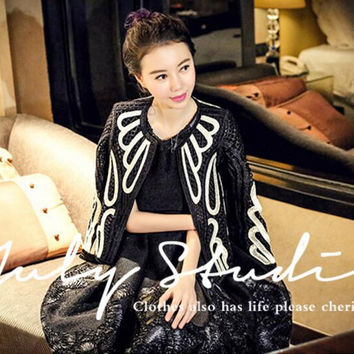 2017 New Fashion Spring Jacket For Women Black White Splicing Coat Celebrate Evening Clothes Party Performance Wear
