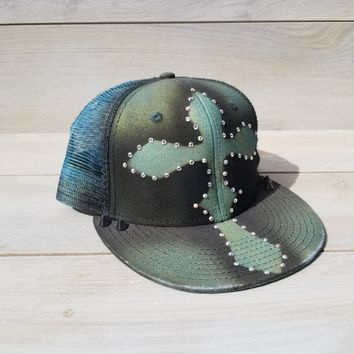 Cross airbrushed hat