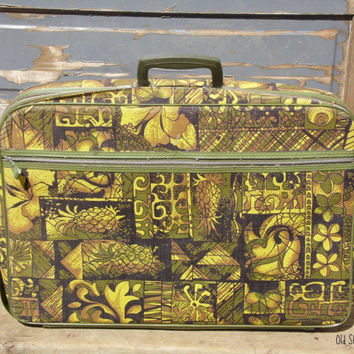 FREE SHIPPING - Suitcase/Bantam Travelware/Travel Case/1970's Suitcase/Green Suitcase/Child's Suitcase/Small Suitcase