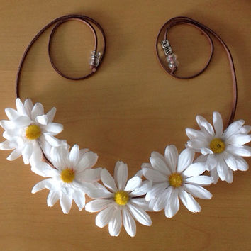 White Daisy Flower Halo// Flower Crown// EDM/ Rave/ Ultra// Fashion week