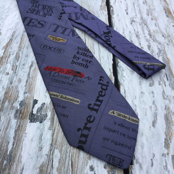 Novelty Print Tie . Newspaper Headlines .Vintage Men's Necktie . Carlo Margo Silk Necktie .