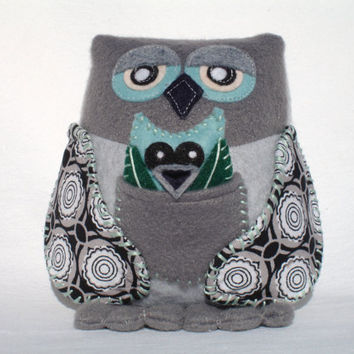 Owl plush Mama with baby owl in pocket