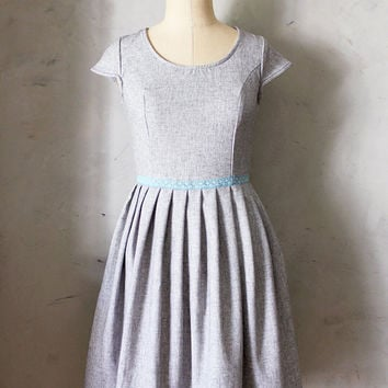 TRUFFLE BOUQUET - Heather gray linen dress with pockets // blue lace belt bow // pleated skirt // bridesmaid dress // vintage inspired
